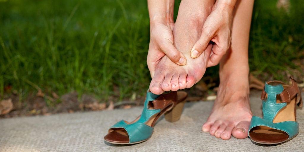 Oignons aux pieds - 5 façons de se soulager à la maison