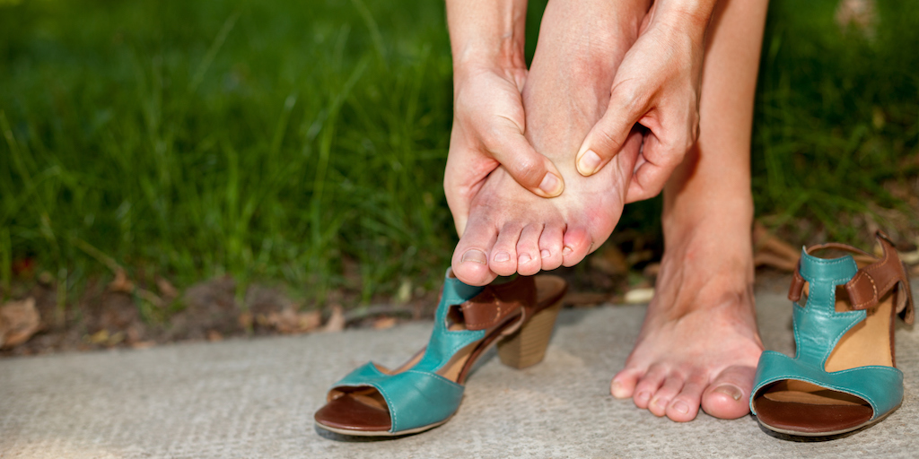 Oignons aux pieds : 5 façons de vous soulager à la maison